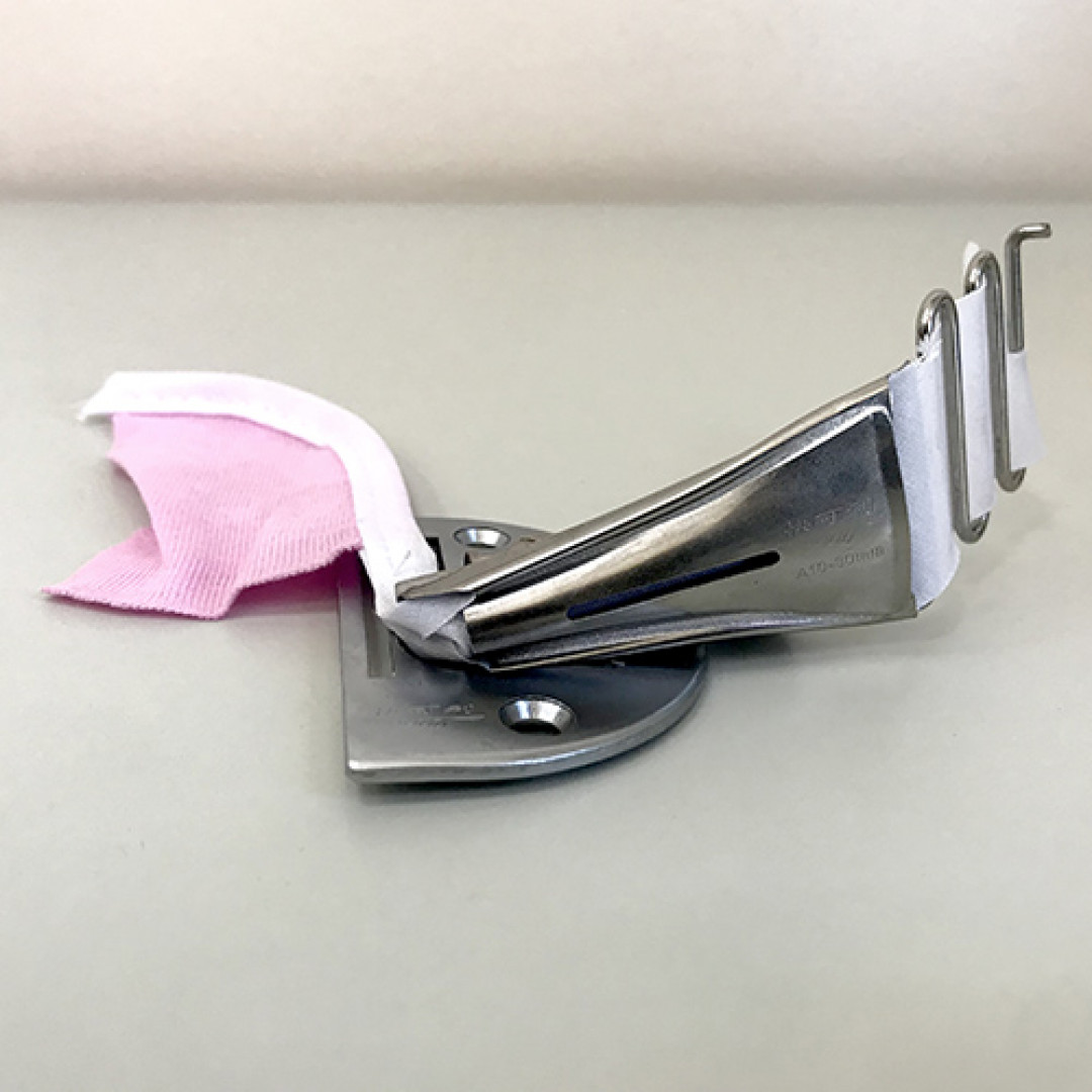 Окантователь в 4 сложения для промышленных прямострочных швейных машин A10-30 мм.-2
