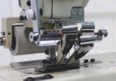 Kansai Special FX-4412P-UTC Машина може бути обладнана формувачами для пришивання лампасів.
